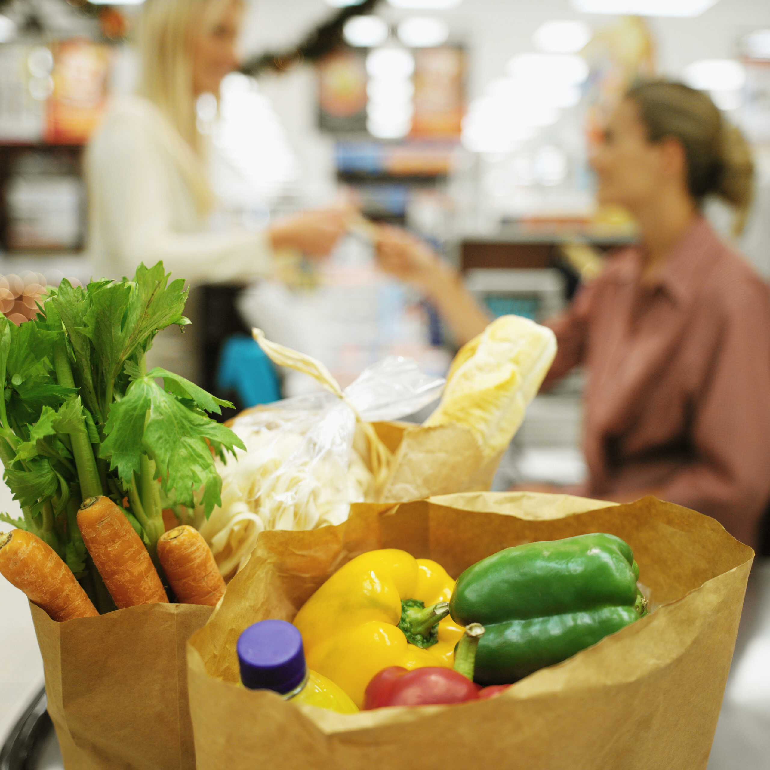 Quantum-techniques-blog-produce-in-grocery-store-shopping-bag
